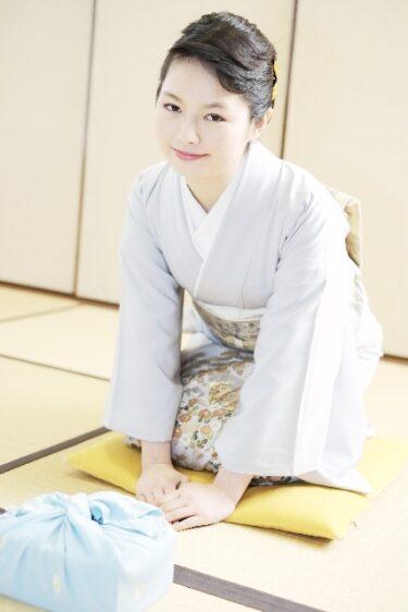 日本の心を英語で伝えたい:なぜ日本人は「つまらないもの」と言うのか?