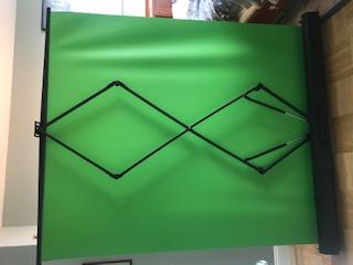 自動折り畳み式グリーンスクリーン